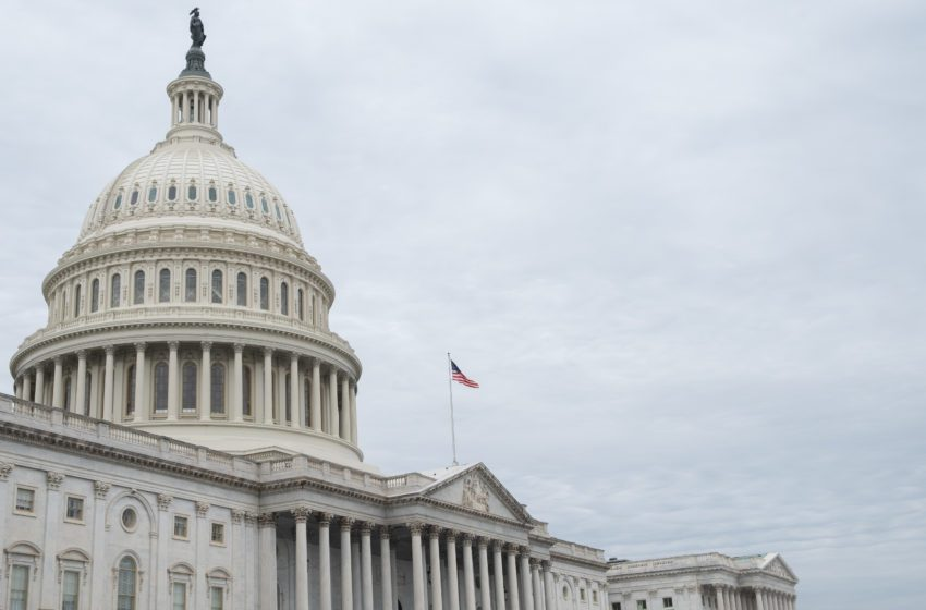 U.S. Lawmakers Introduce Bill to Require Vapor User Fees